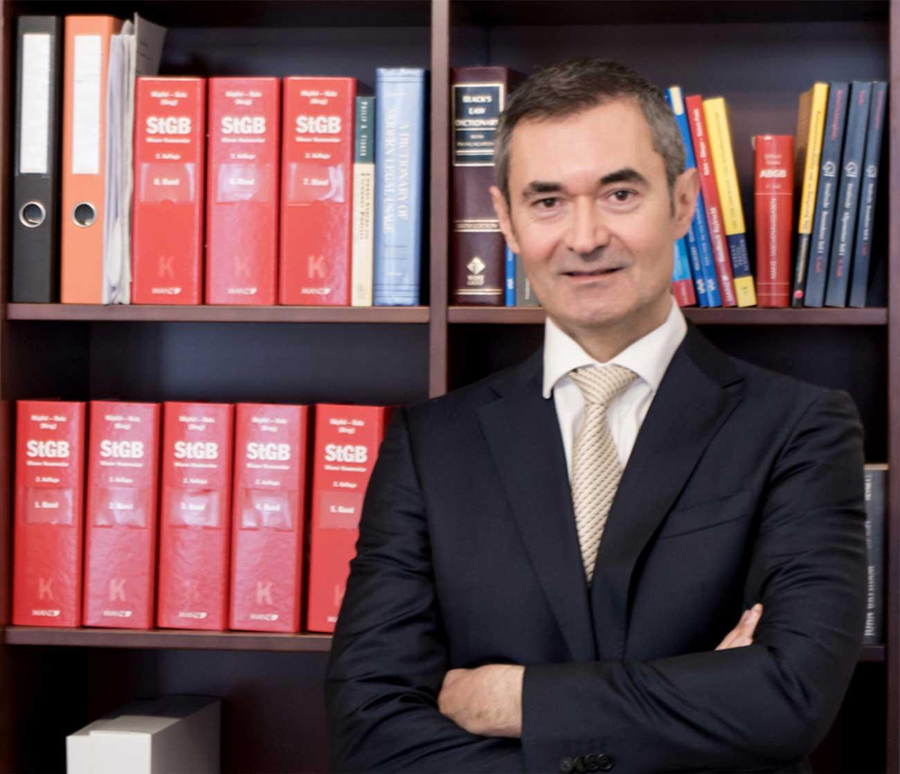 Rechtsanwalt Mag. Dinko Knjizevic